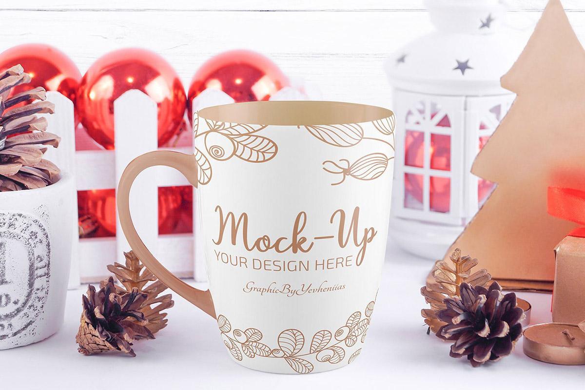 Free Christmas Mug Mockup